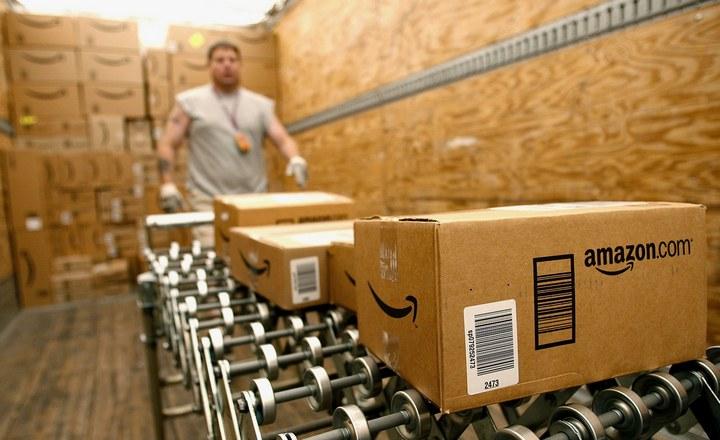 Người Mỹ ngày càng thiếu kiên nhẫn với mua sắm online vì Amazon giao hàng quá nhanh - ảnh 1