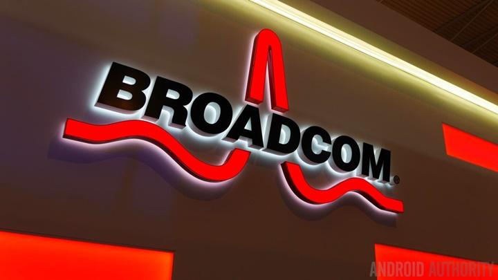 """Tại sao tổng thống Trump """"tuýt còi"""" thương vụ của Broadcom và Qualcomm?"""