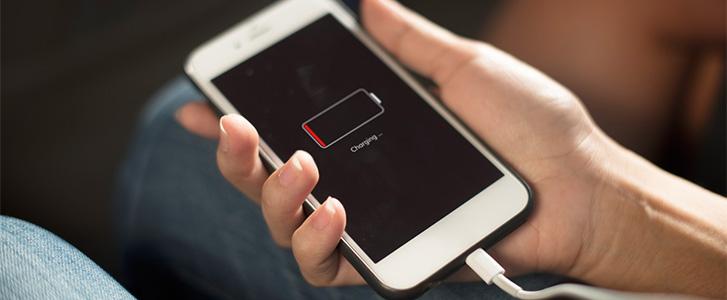 Đây là 5 lý do smartphone cũ sạc pin ngày càng chậm