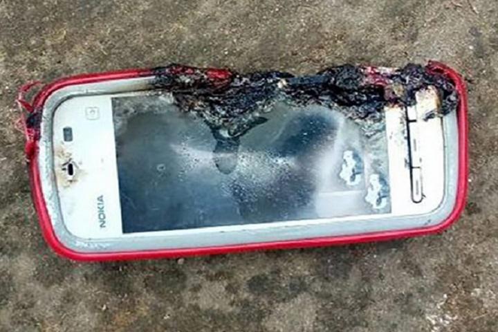 Nokia 5233 phát nổ giết chết một cô gái tuổi teen khi đang thực hiện cuộc gọi