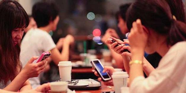 Hơn 40 triệu người Việt đang làm gì trên smartphone mỗi ngày?