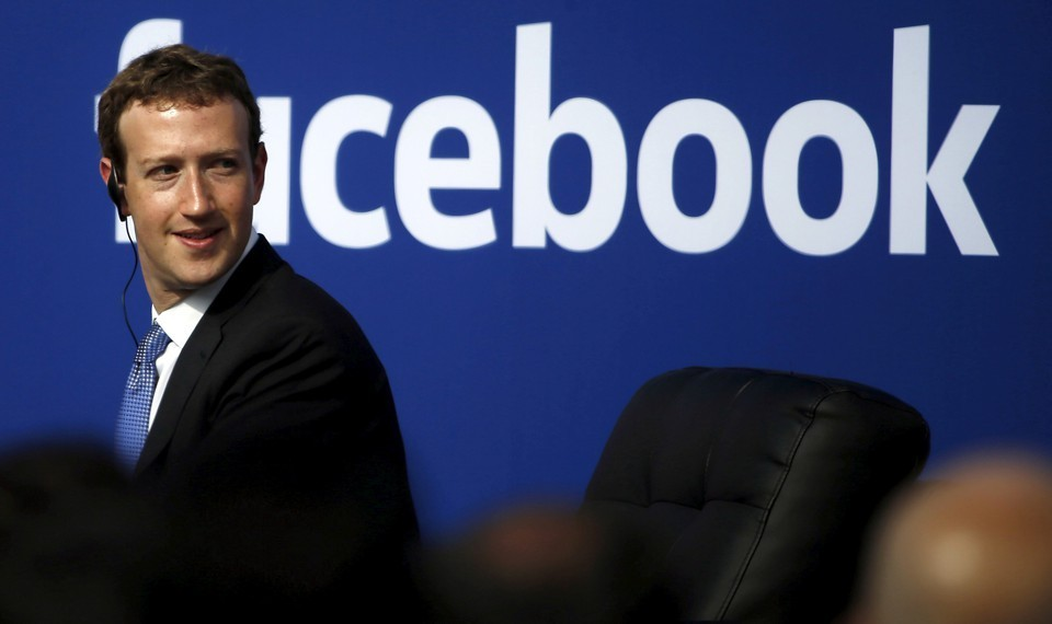 Mark Zuckerberg im hơi lặng tiếng giữa bão scandal, bán cả triệu cổ phiếu từ 3 tuần trước