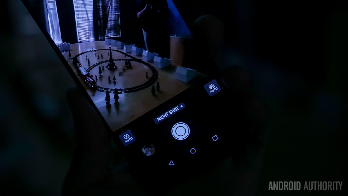 Bộ 3 camera sau của Huawei P20 Pro hoạt động như thế nào?