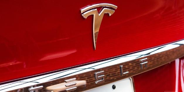 Tesla công bố đợt thu hồi xe lớn nhất từ trước đến nay vì sự cố hệ thống lái trên Model S