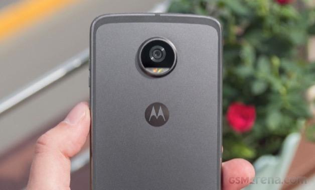 FCC để lộ cấu hình Moto Z3 Play: Snapdragon 636, màn hình 6.1 inch