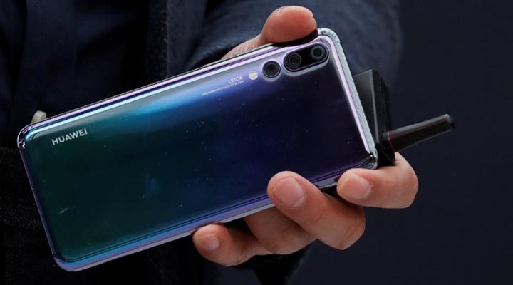 Từ Huawei P20 Pro tới iPhone X: tại sao giá smartphone ngày càng tăng?