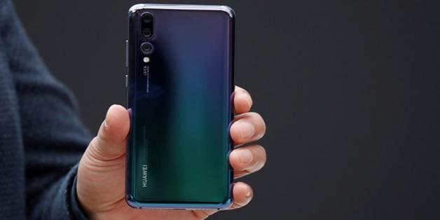 """Từ Huawei P20 Pro tới iPhone X: những lý do smartphone nghìn đô sẽ sớm trở nên """"bình thường"""""""