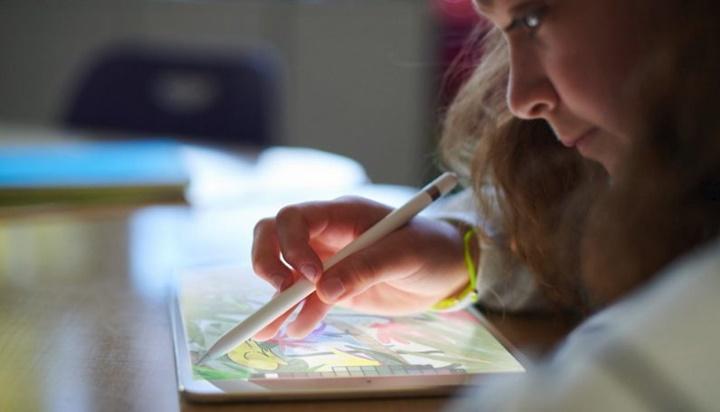 """Apple không hiểu vì sao Chromebook trở nên """"tuyệt vời"""""""