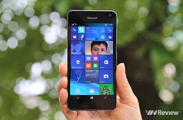 """Windows Phone """"chết yểu"""", lỗi tại ai?"""