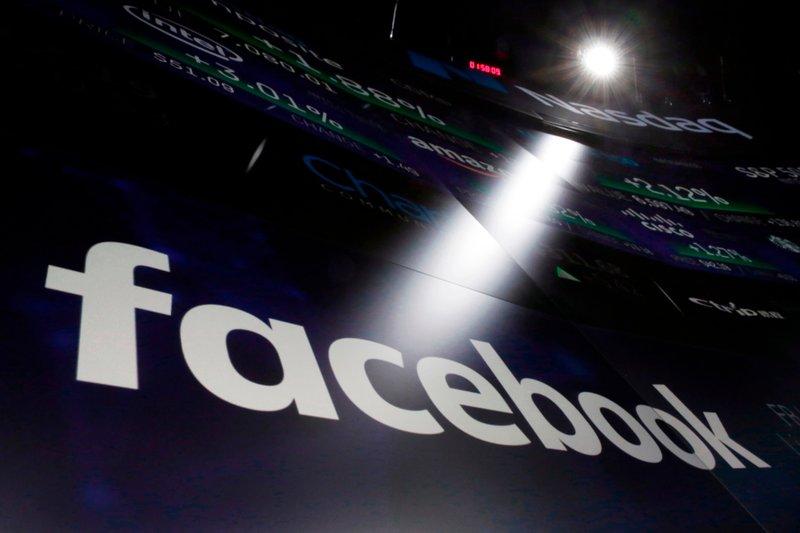 """Thách thức của chính phủ Mỹ: Làm thế nào để """"thuần hóa"""" Facebook?"""