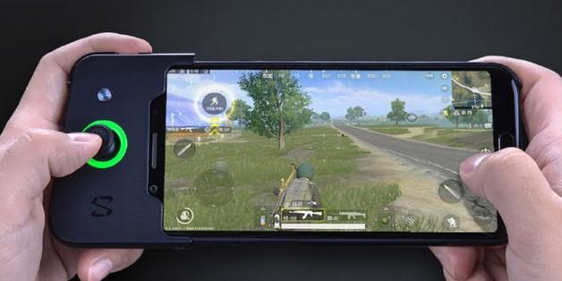 Smartphone chuyên game Xiaomi Black Shark ra mắt: Snapdragon 845, RAM 8GB, giá từ 10,8 triệu đồng