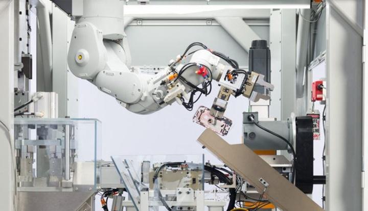 Hãy gửi lời chào tới Daisy - robot do Apple sản xuất để tái chế iPhone