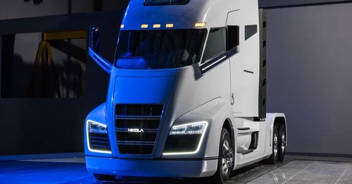 Start up Nikola kiện đòi Tesla bồi thường 2 tỷ USD vì ăn cắp thiết kế xe tải chạy Hydrogen