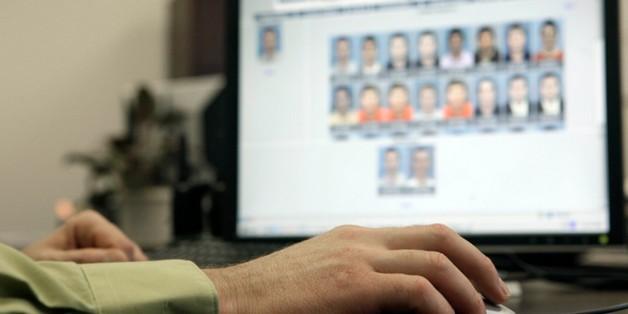 """Hệ thống nhận diện khuôn mặt của cảnh sát Anh """"nhận nhầm"""" hơn 2000 người là tội phạm"""