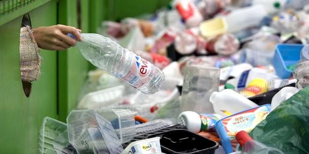 Các nhà khoa học bước đầu tìm ra cách tái chế nhựa vô hạn lần