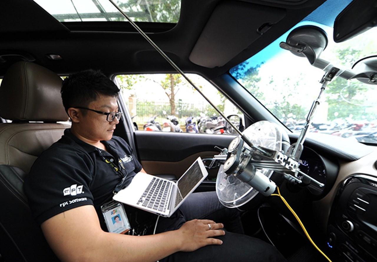 FPT đang xin phép Bộ GTVT được thử nghiệm xe tự lái ngoài đường phố
