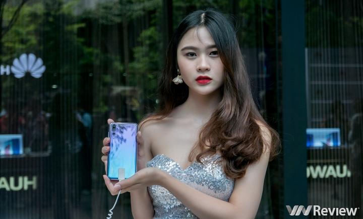 Huawei P20 Pro chính thức về Việt Nam: 3 camera sau, chống rung AIS, giá 20 triệu đồng