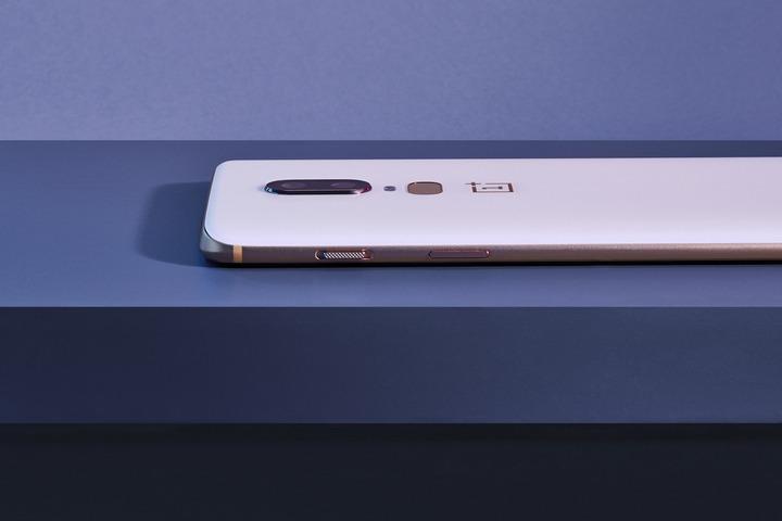 OnePlus 6 ra mắt: mặt lưng kính, màn hình 6.3 inch, chip Snapdragon 845, giá từ 529 USD