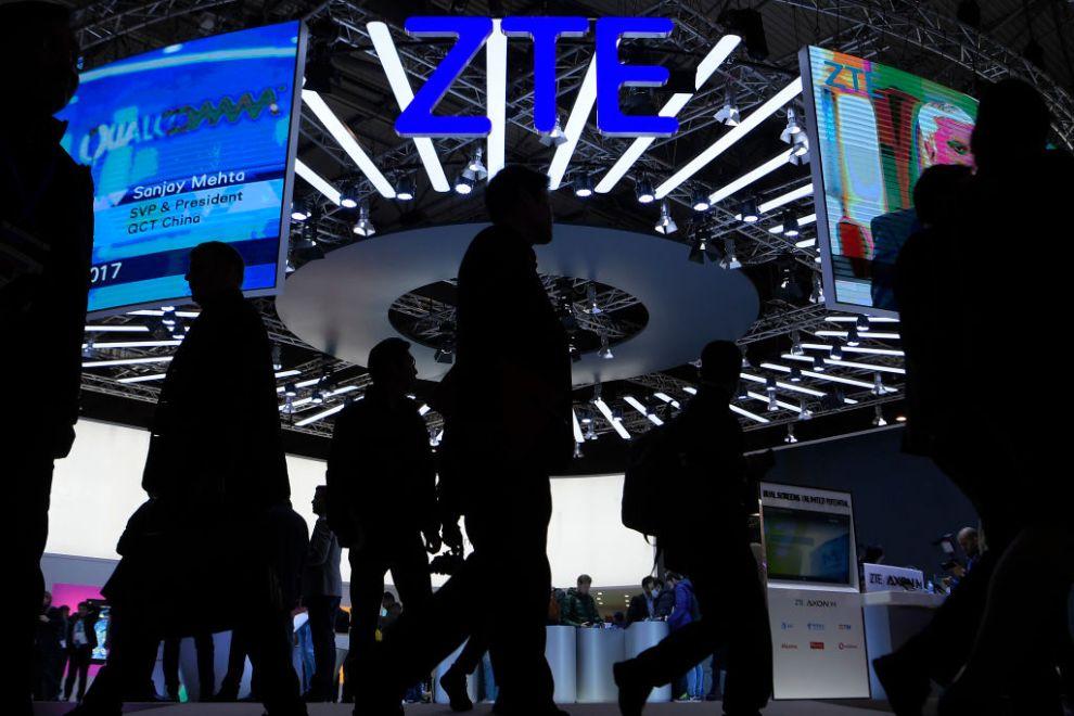 """Bất chấp ông Trump """"bênh"""" ZTE, Hạ viện Mỹ vẫn thông qua luật sửa đổi nhằm duy trì lệnh cấm"""