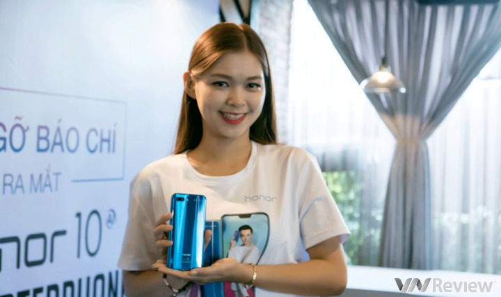 Honor 10 ra mắt tại Việt Nam: Bản sao của Huawei P20, giá chưa tiết lộ