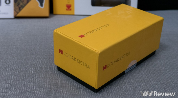 Mở hộp Kodak Ektra: Chiếc điện thoại chụp ảnh của Kodak