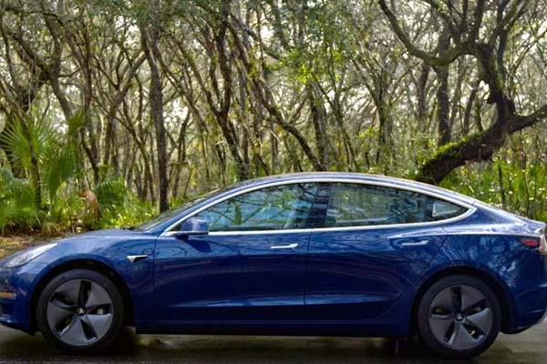 Consumer Reports: chúng tôi không thể tiến cử chiếc Tesla Model 3