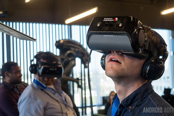 Google và LG tiết lộ màn hình VR OLED tích hợp trên kính độ phân giải cao nhất thế giới