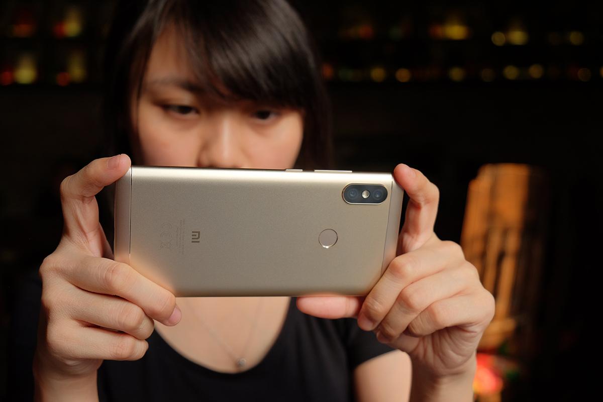 """Đánh giá Xiaomi Redmi Note 5: hóa giải """"điểm yếu bền vững"""" của Xiaomi"""