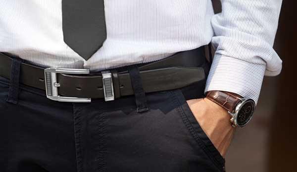 Cách đeo thắt lưng đúng chuẩn quý ông