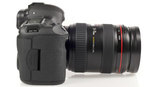 Canon đang xem xét việc sản xuất ống kính zoom điện