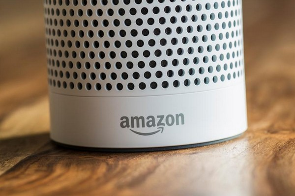 Loa Amazon Alexa bất ngờ tự ghi âm cuộc trò chuyện, gửi ngẫu nhiên cho người trong danh bạ