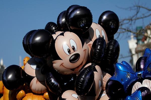 Nếu bạn muốn yêu công việc của mình, hãy học theo Walt Disney