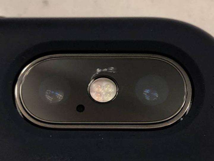 Ngày càng nhiều trường hợp iPhone X bị nứt kính camera không rõ lý do