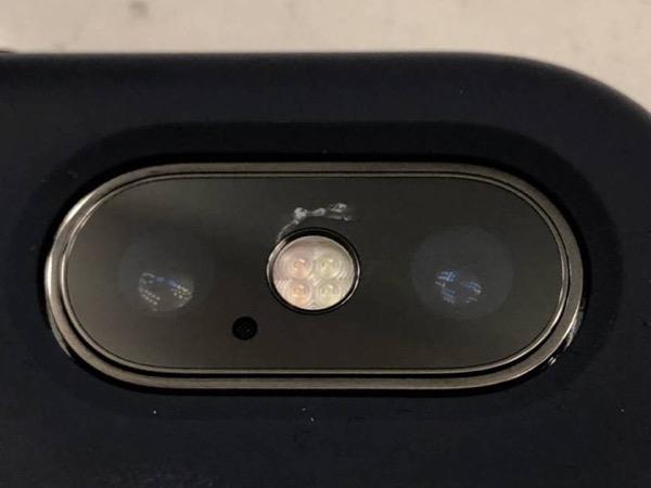 iPhone X bị nứt kính camera không rõ lý do xuất hiện ngày càng nhiều