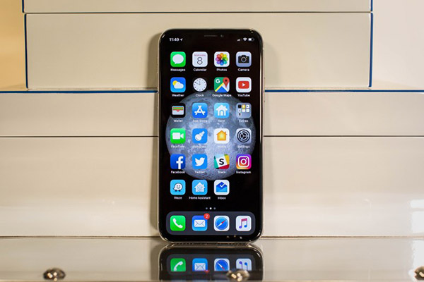 Tại sao thiết kế tai thỏ trên iPhone X lại đẹp hơn hẳn tai thỏ của các điện thoại Android?