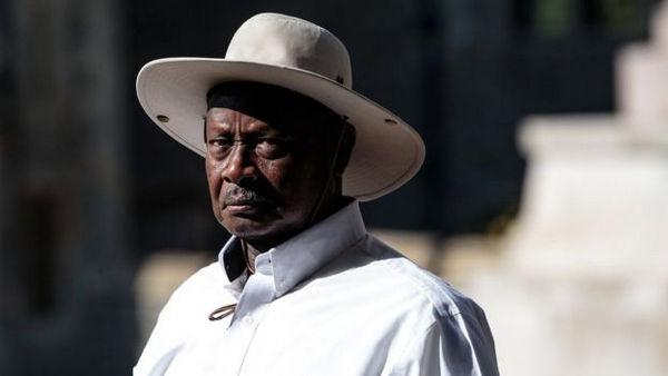 """Uganda đánh thuế WhatsApp và Facebook nhằm """"ngăn chặn tin đồn nhảm"""""""