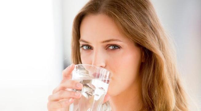 Điều gì xảy ra với cơ thể nếu không uống nước?