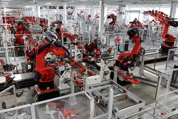 """Châu Á đã học cách """"yêu"""" robot, và phương Tây nên học hỏi theo"""