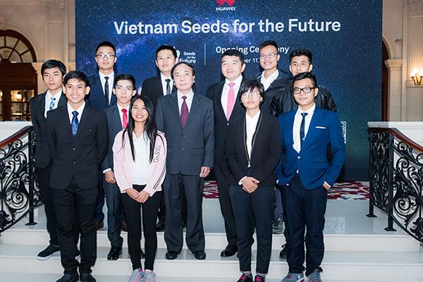 """Huawei Việt Nam khởi động chương trình cấp 10 học bổng """"Hạt giống viễn thông"""""""