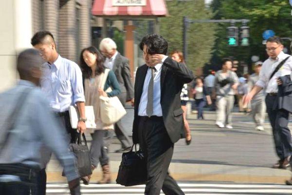 """Liệu drone có giúp chống lại văn hóa làm việc thêm giờ """"tới chết"""" tại Nhật Bản?"""