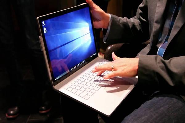 Sếp Apple: Microsoft Surface chỉ là sản phẩm thí nghiệm, không đáng quan tâm