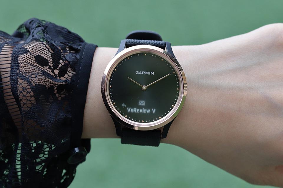 Đánh giá Garmin Vivomove HR Sport: smartwatch ẩn mình trong đồng hồ thời trang