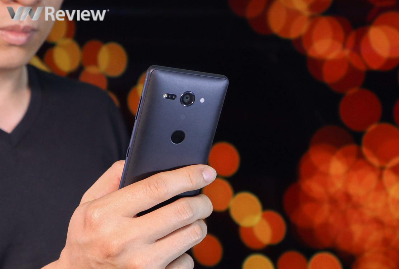 Trên tay Sony Xperia XZ2 Compact: cực nhỏ, cực mạnh, thiết kế cực thường