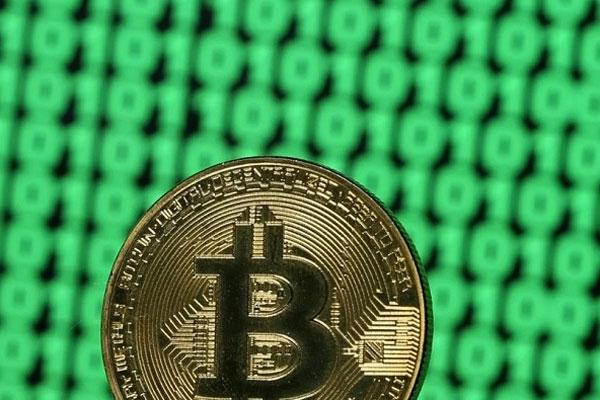 Giá Bitcoin giảm cực mạnh, còn hơn 6.800 USD sau vụ Sàn giao dịch Hàn Quốc bị hack