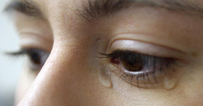 Tại sao con người khóc?