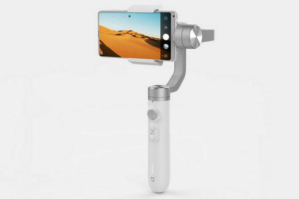 Xiaomi giới thiệu gimbal cho smartphone Mijia: pin 5.000 mAh dùng 16 giờ, giá 2,1 triệu đồng