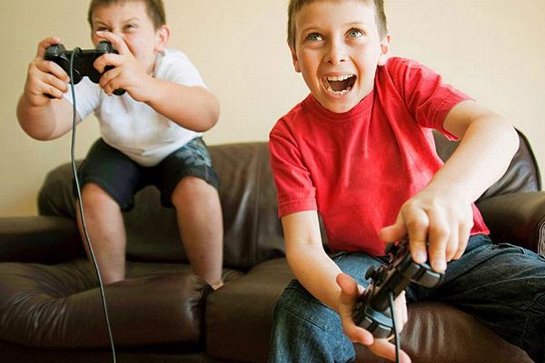 95% phụ huynh lo con cái gặp nguy hiểm khi chơi game trực tuyến