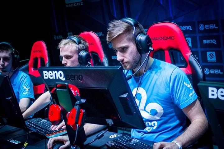 Bạn cần gì để trở thành một game thủ eSports chuyên nghiệp?