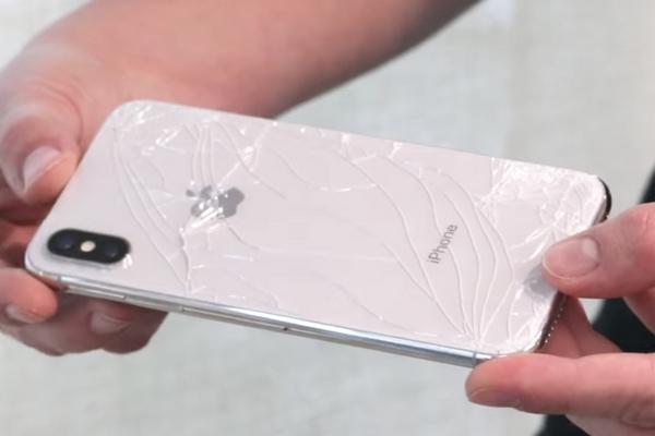 Thả  iPhone X rơi tự do từ độ cao 300 mét và cái kết bất ngờ