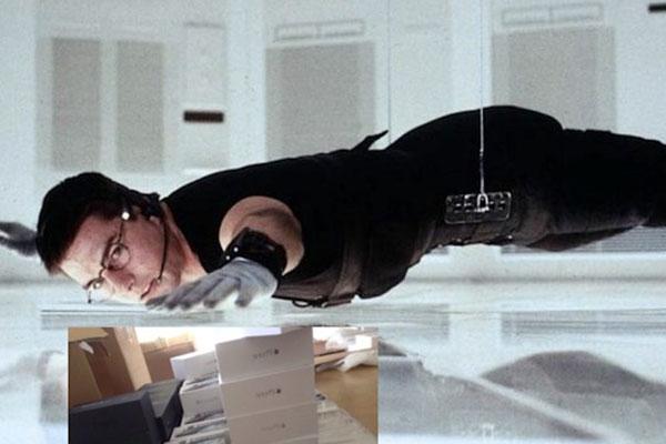"""Trộm đu dây vào siêu thị Best Buy, """"cuỗm"""" hơn 100.000 USD đồ Apple"""